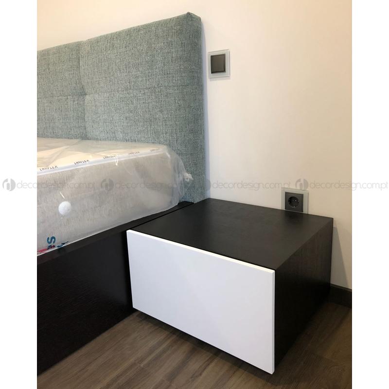 Mesa de Cabeceira Pena